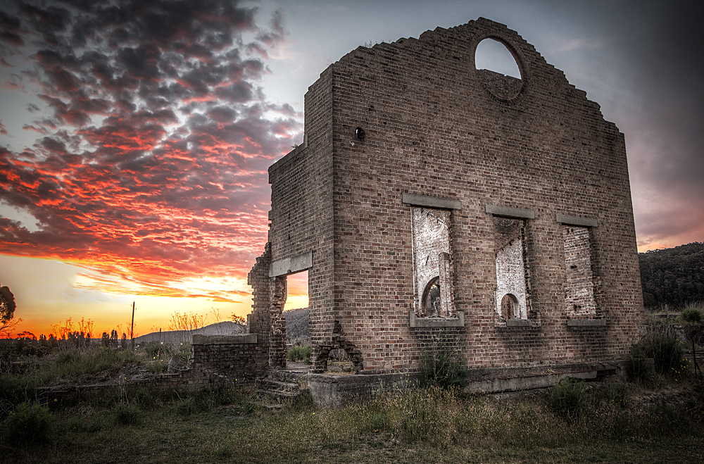 A stunning sunset at Lithgow's Blast Furnace Park.